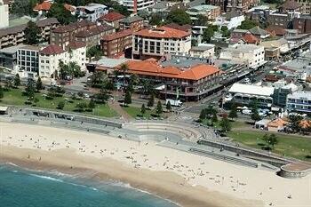 Beautiful Coogee Beach location