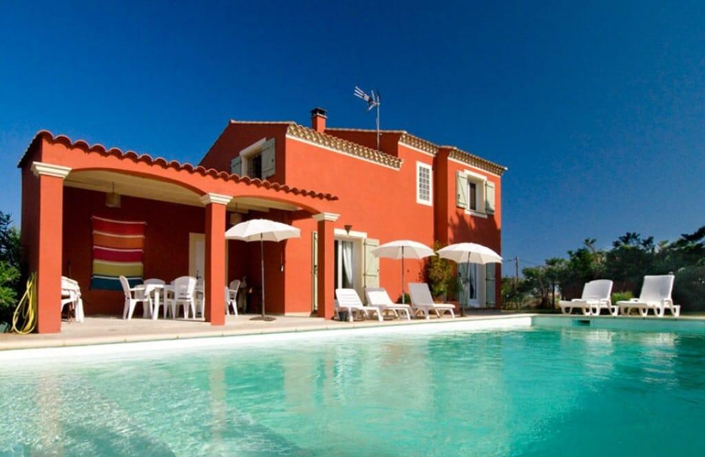 Villa standing-piscine-proche mer