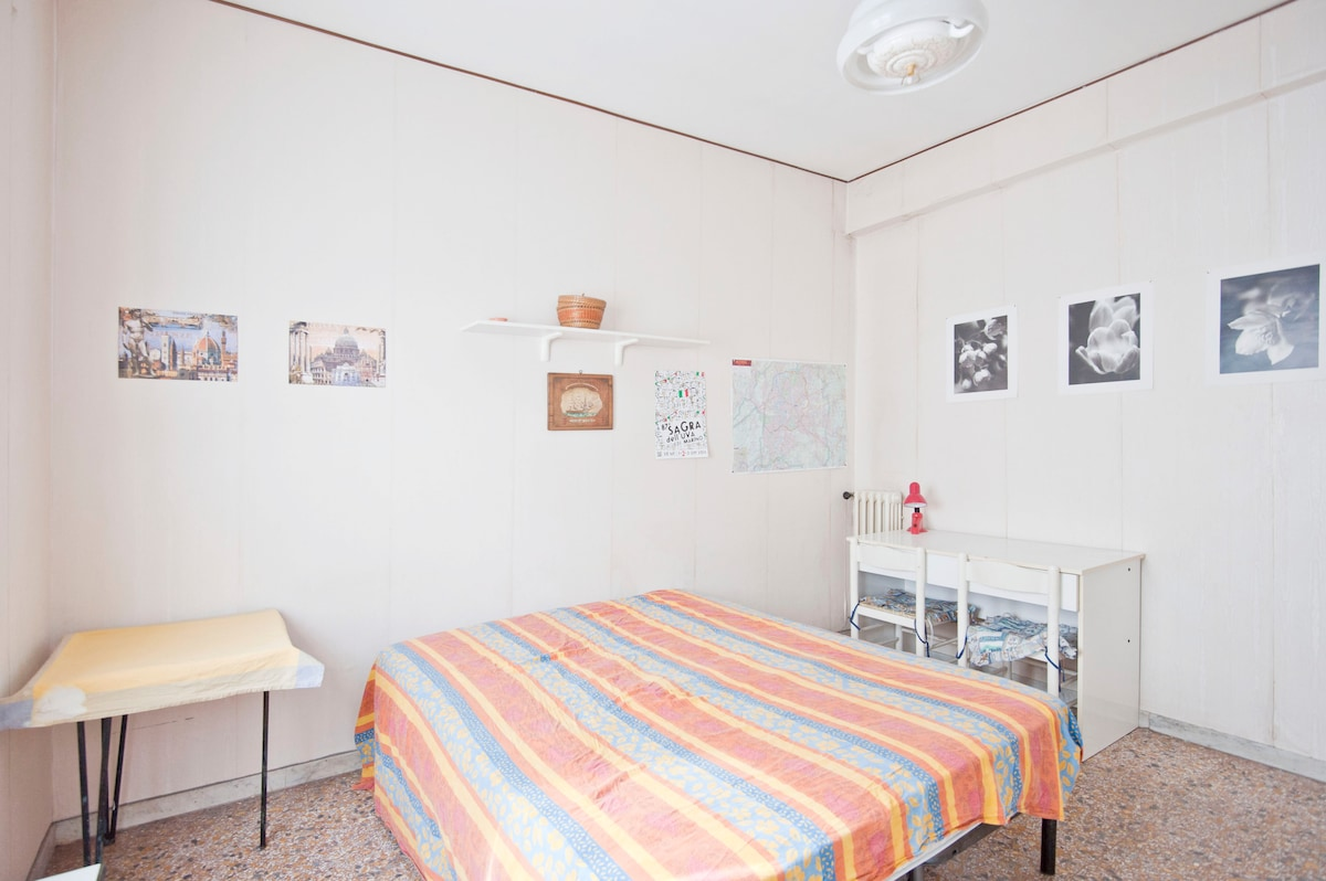 Two rooms in Rome