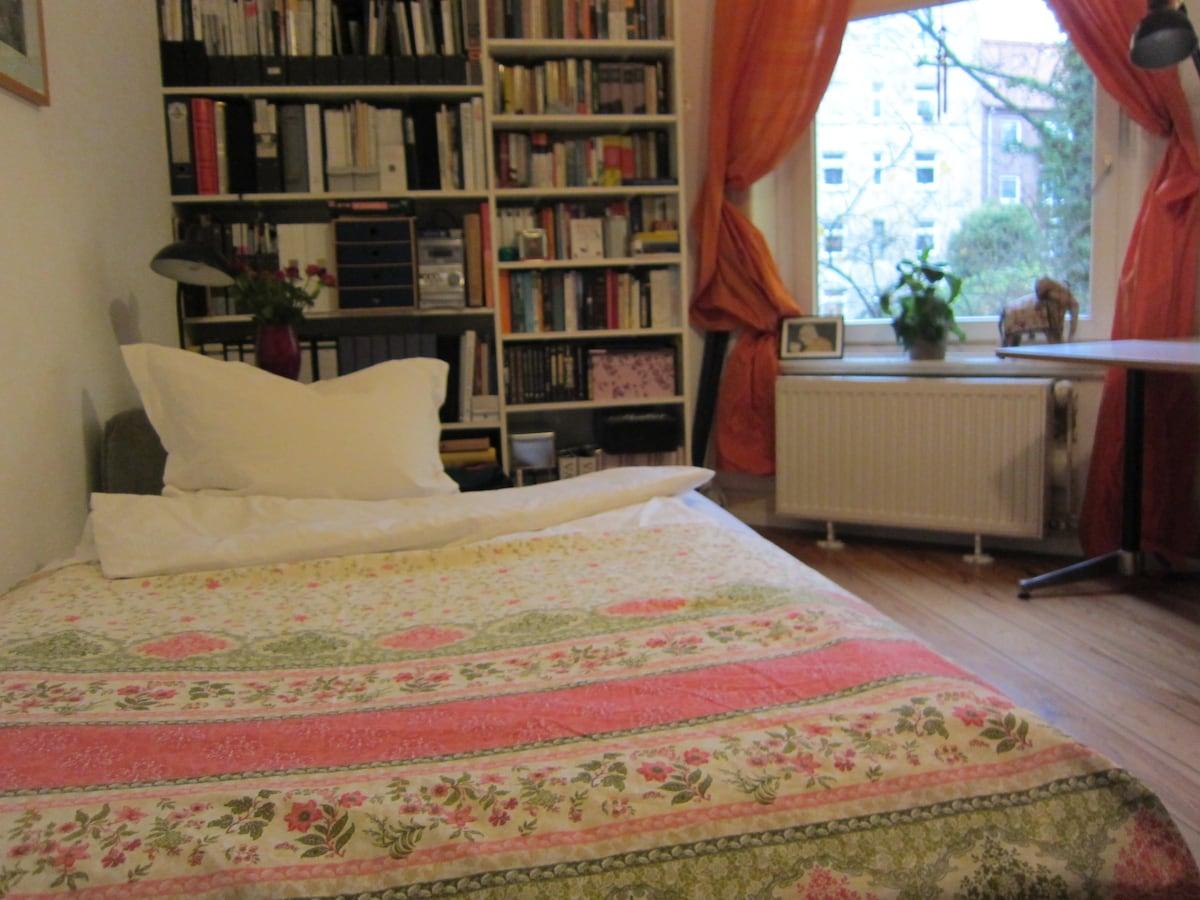 Cosy room in Hoheluft-Eppendorf