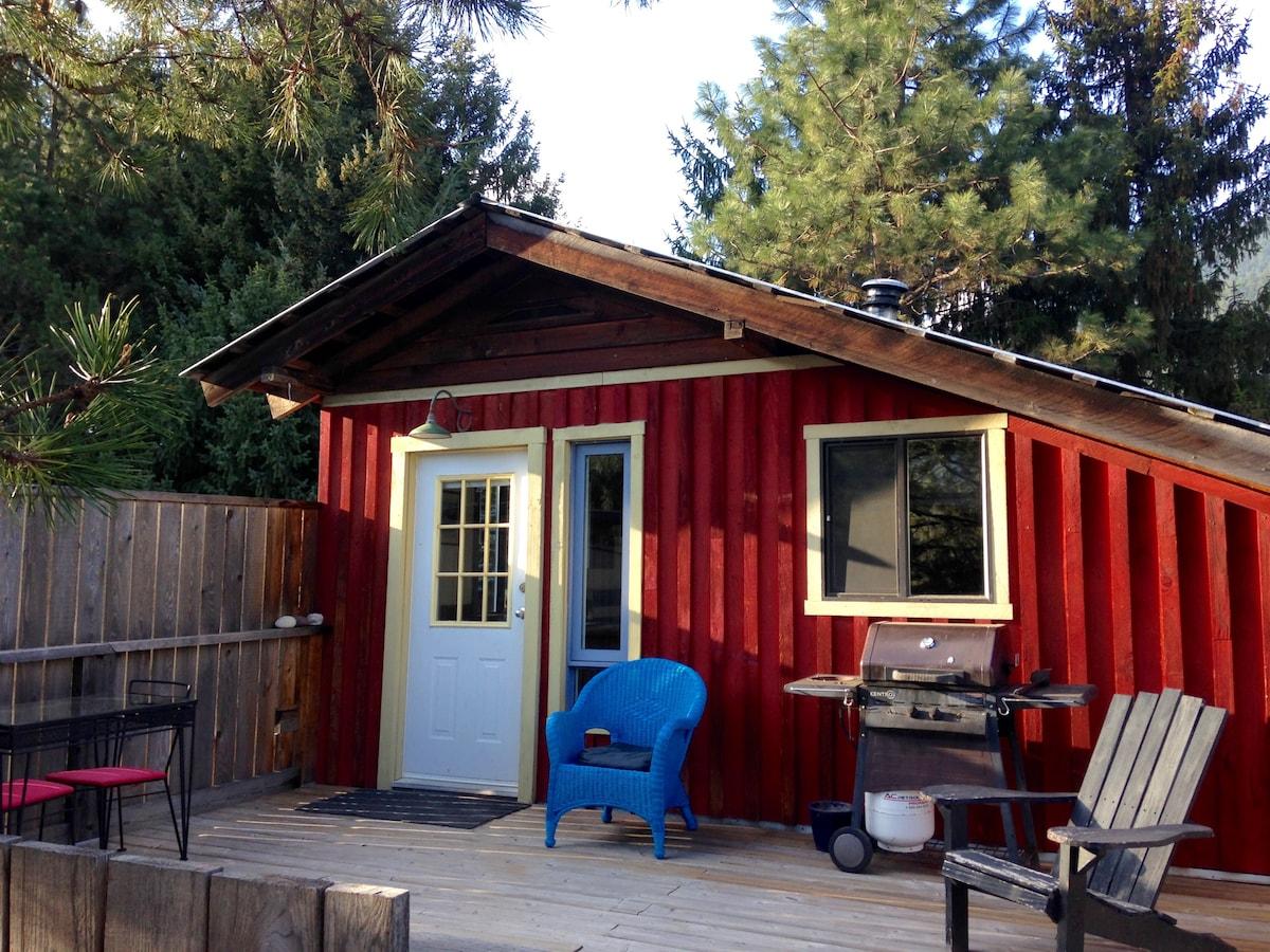 Big Hayloft Barn, 2 BR sleeps 5