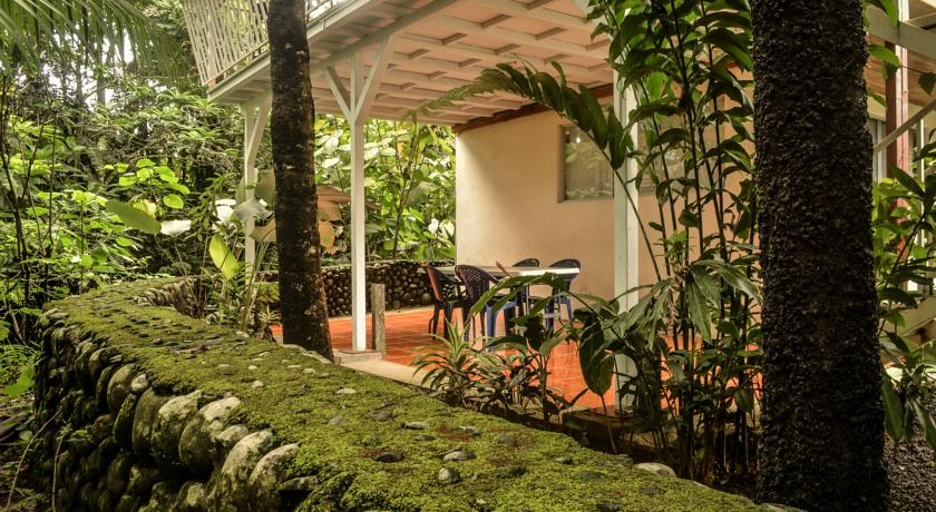 Arenal Volcano Hostel Lodge
