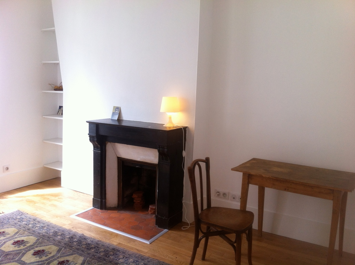 Charming flat, heart of Montmartre.