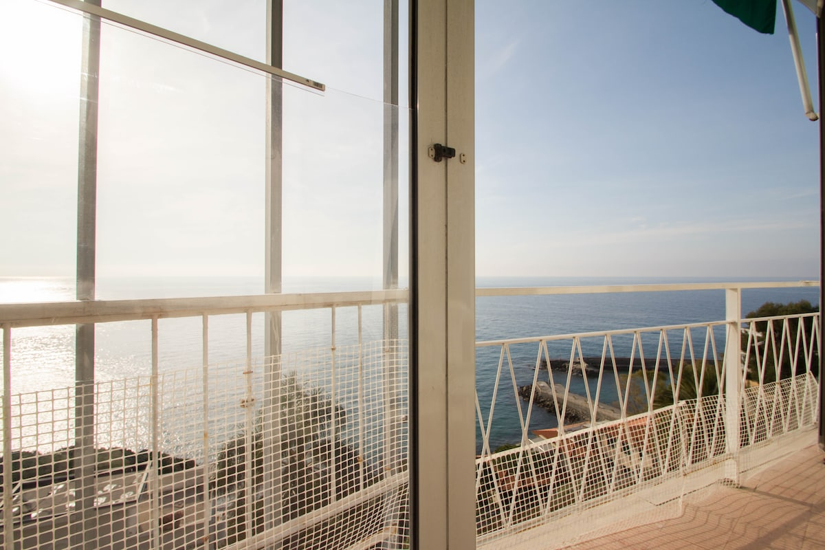 Wonderful Studio with sea view