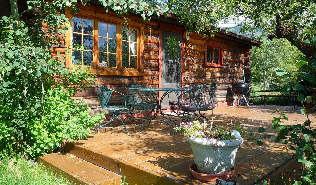 Great Wyoming Cabin - Restored