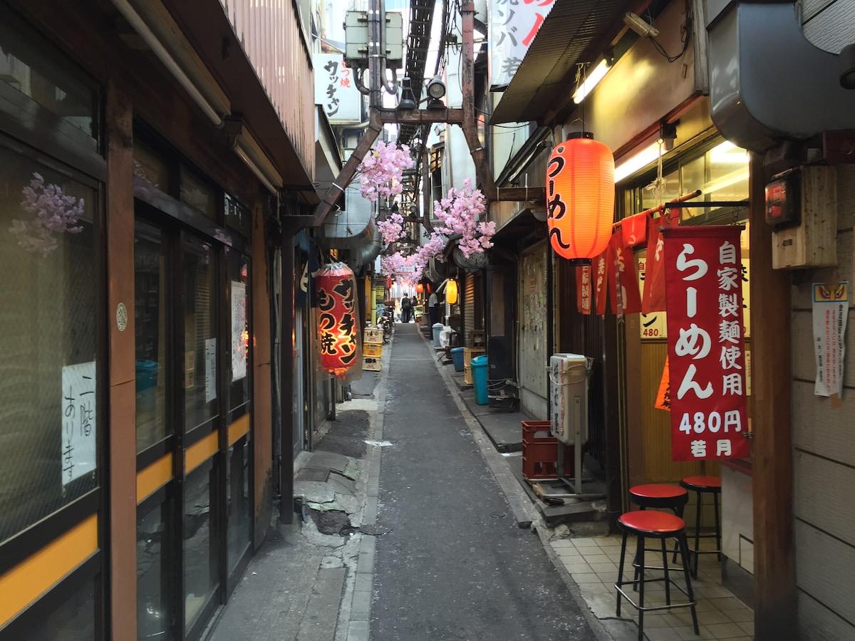 GOOD LOCATION FOR SHINJUKU (R1)