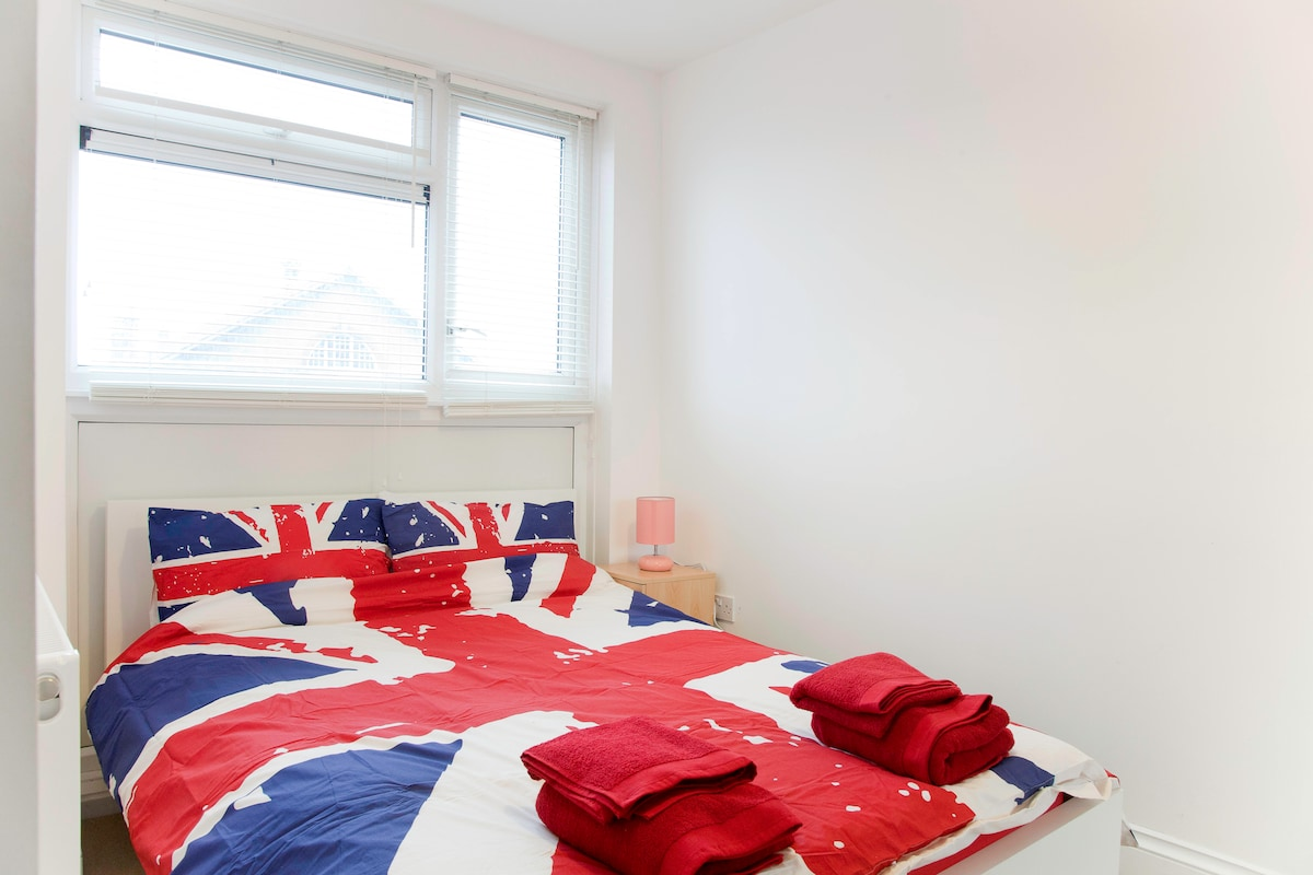 Double Room - Central - Fast Wifi