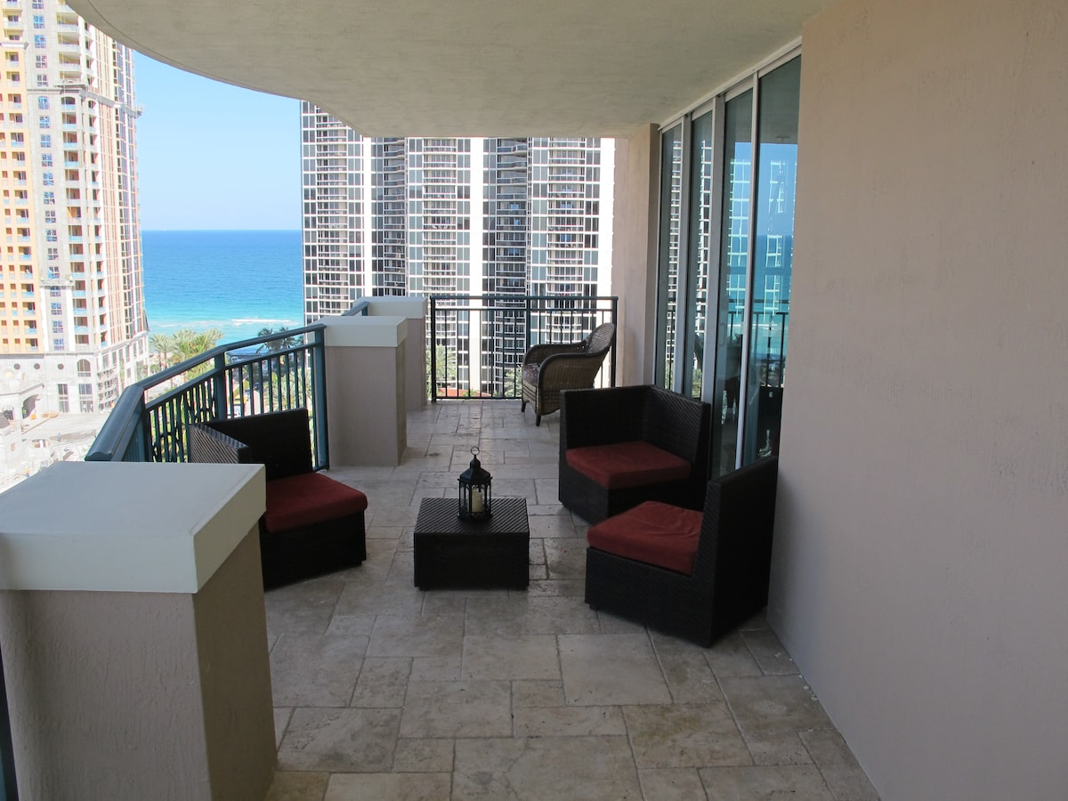 MIAMI CONDO ON THE BEACH 3/2
