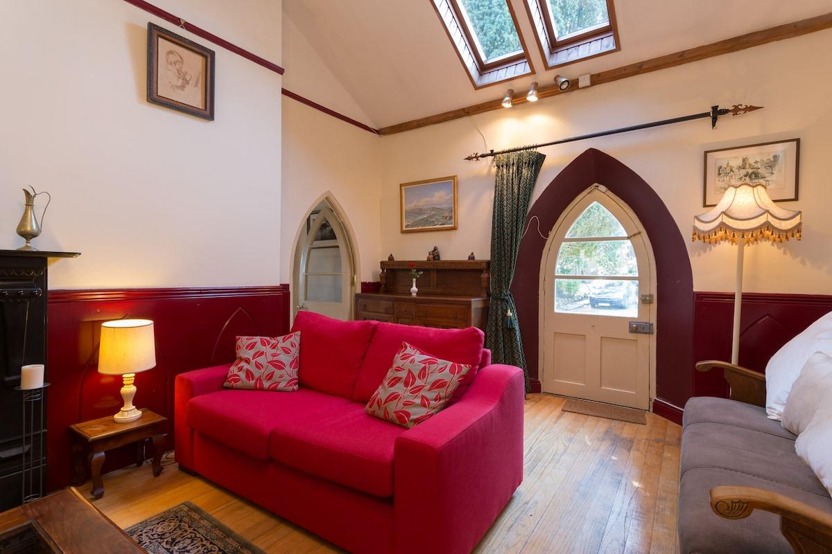 Enchanting 18th Century Gate Lodge
