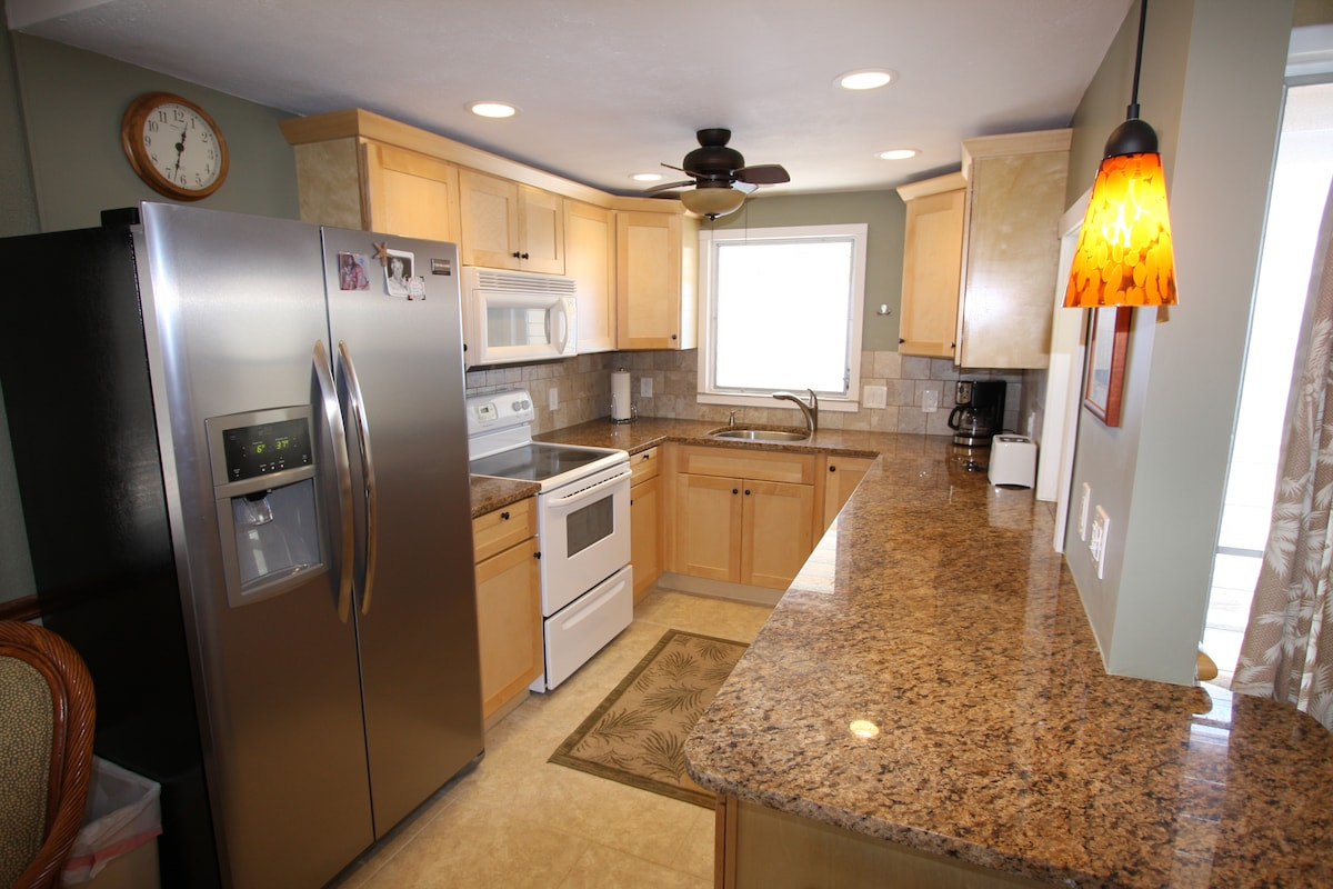 Newly remolded kitchen, window looks out onto the ocean!