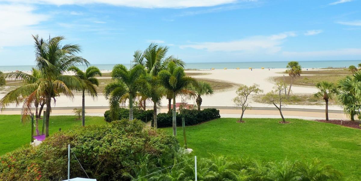 Amazing Beachfront Condo