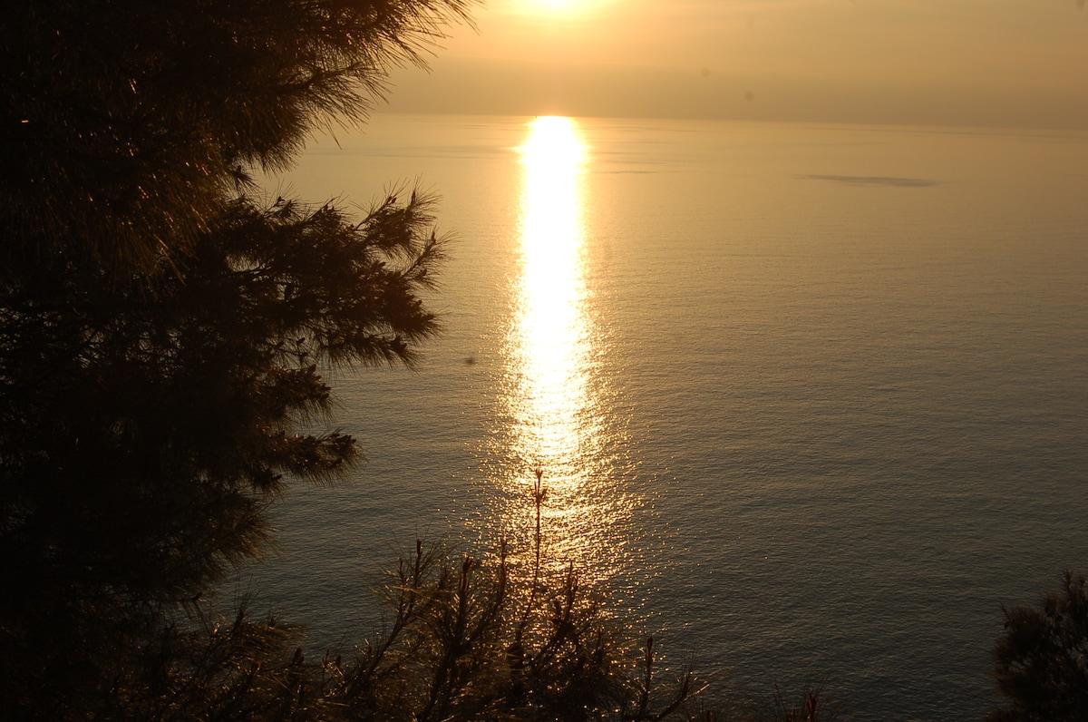 FANTASTIC SEA VIEW + BEACH