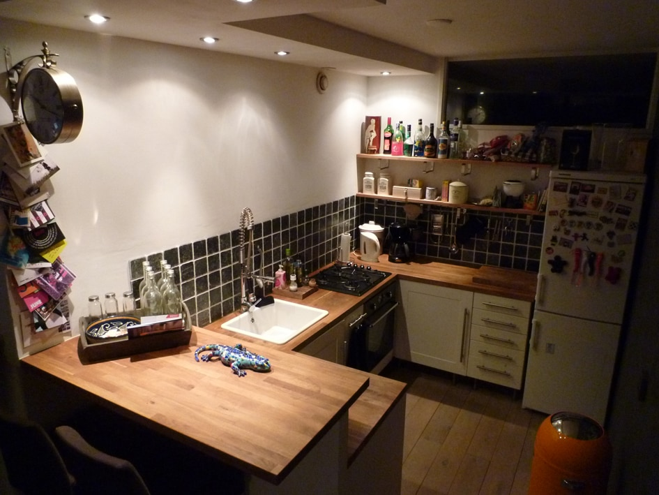kitchen, even herbs and other basics are there (tees, coffee, sugar etc.)