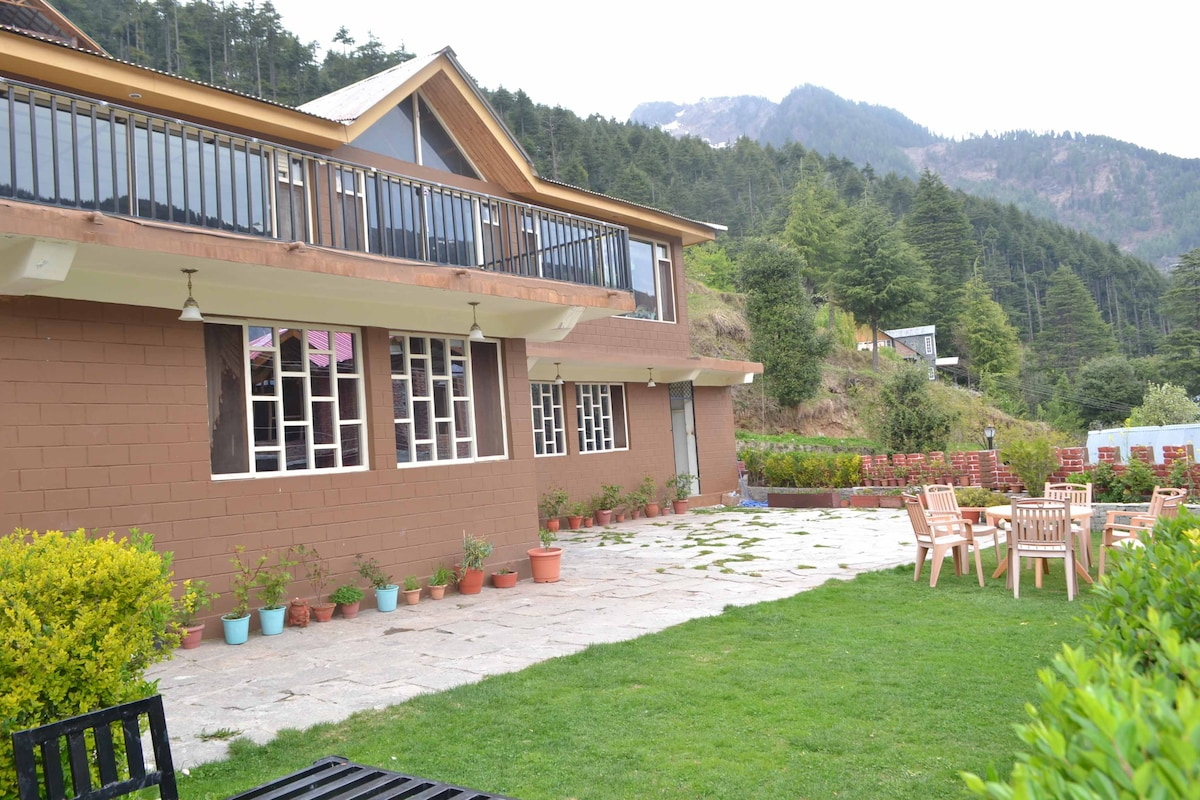 Himachal Valley's Manorama Cottages
