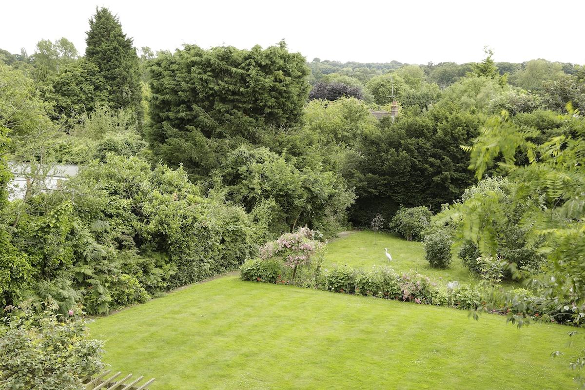 Discover your Greener London Studio