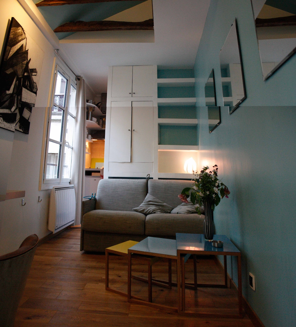One room flat in  Le Marais