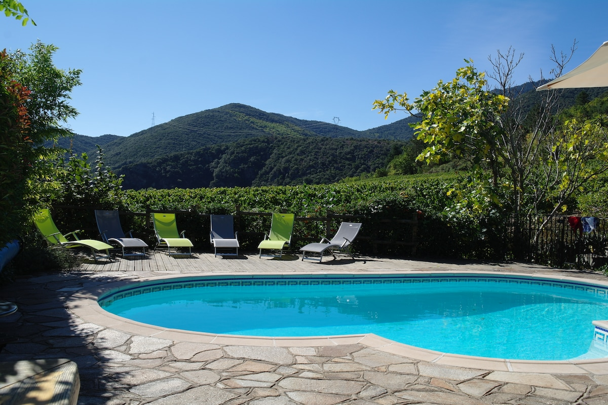 Villa, private pool, amazing views!