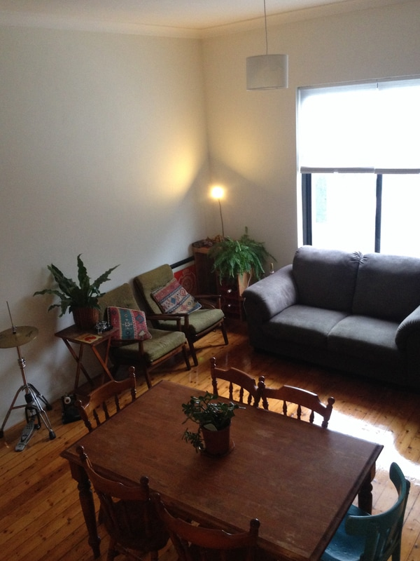 Room available in homely apartment