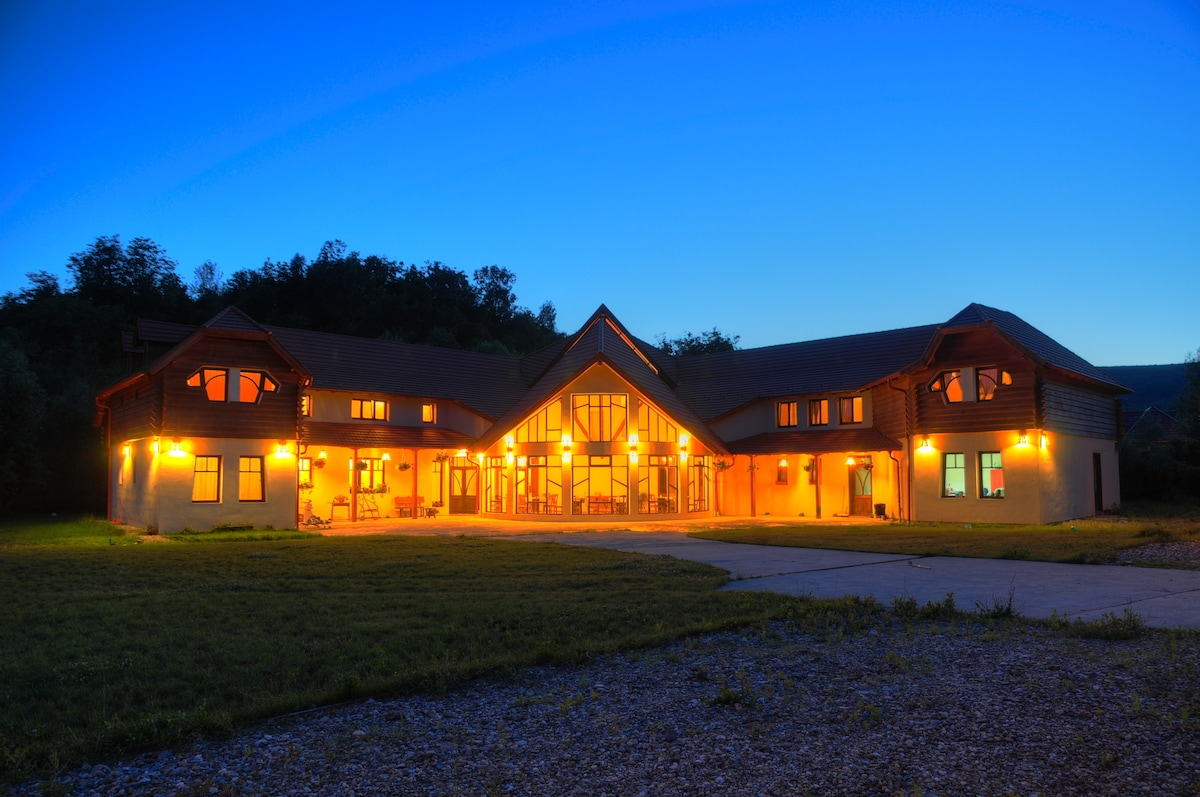 Accommodation Electric Castle 2015