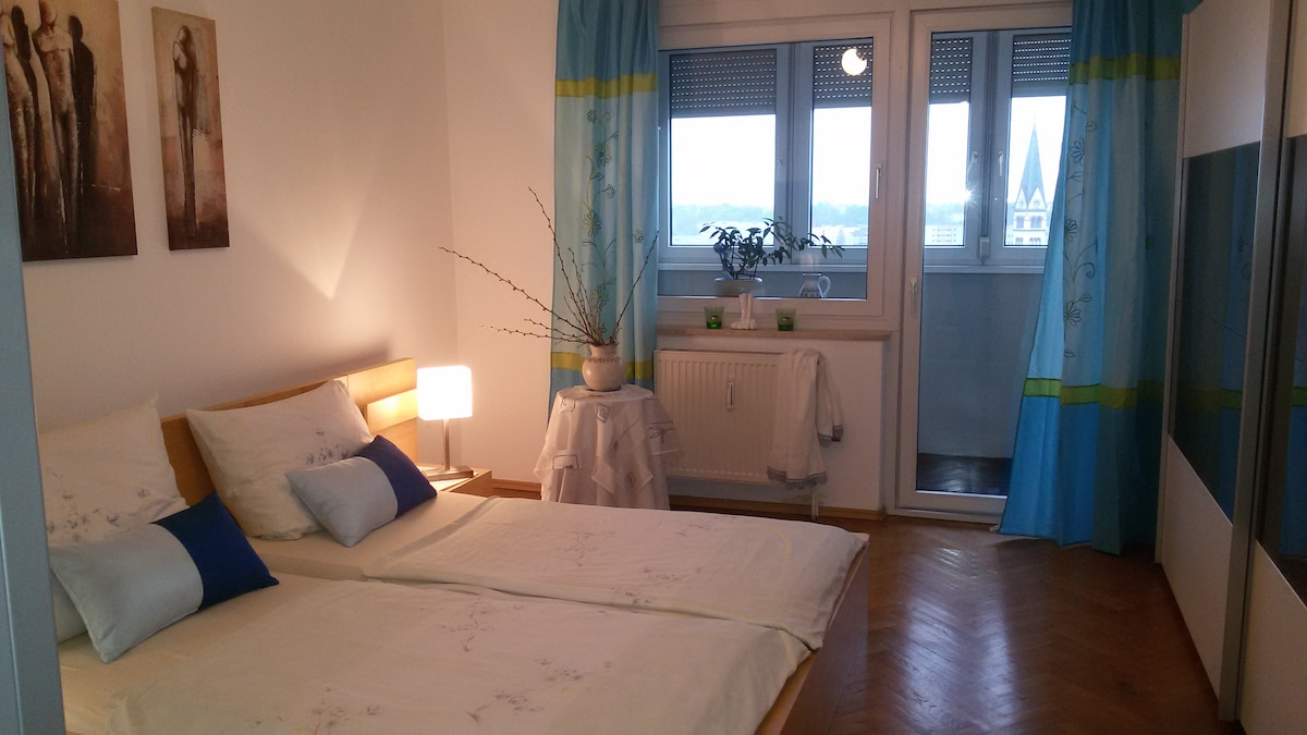 Apt. with a view over Linz (85sqm)