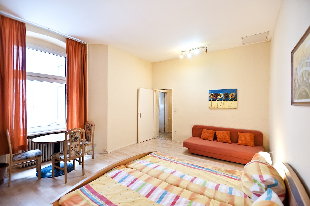 4th bedroom (large double bed + sofa-bed for 1, totally 3 places)