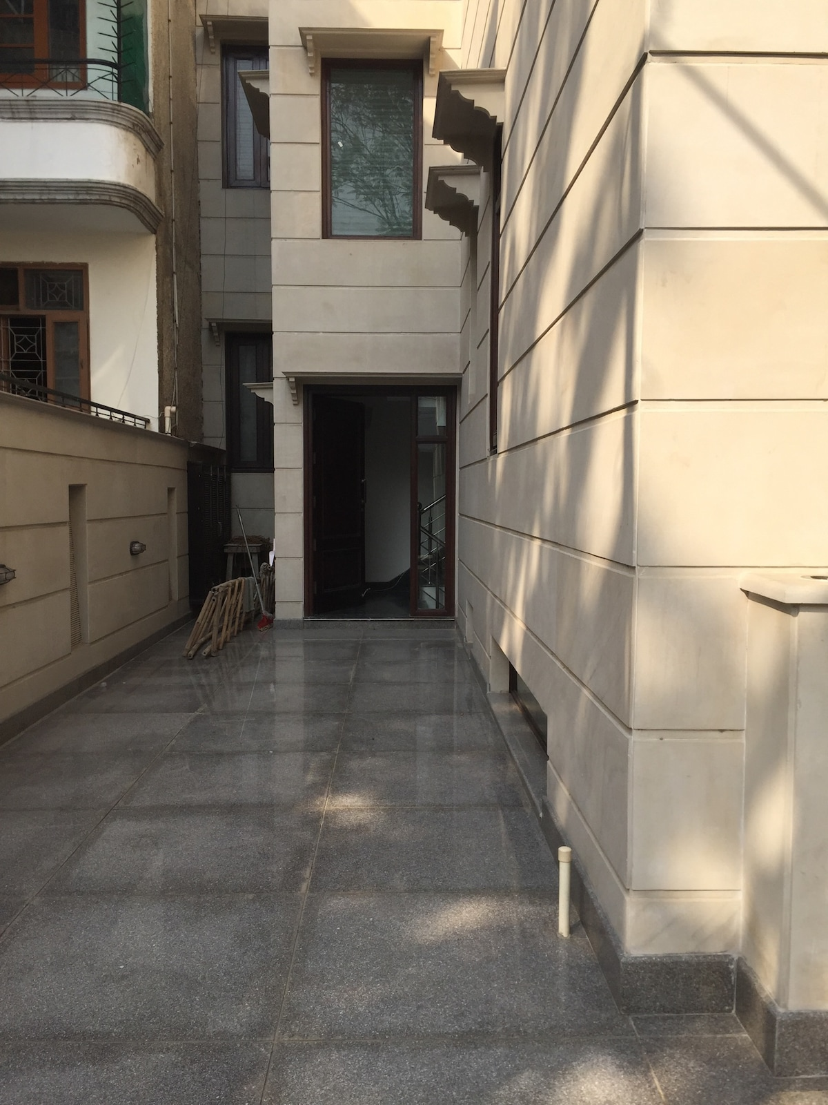 New luxury 1 BD close to cyber city