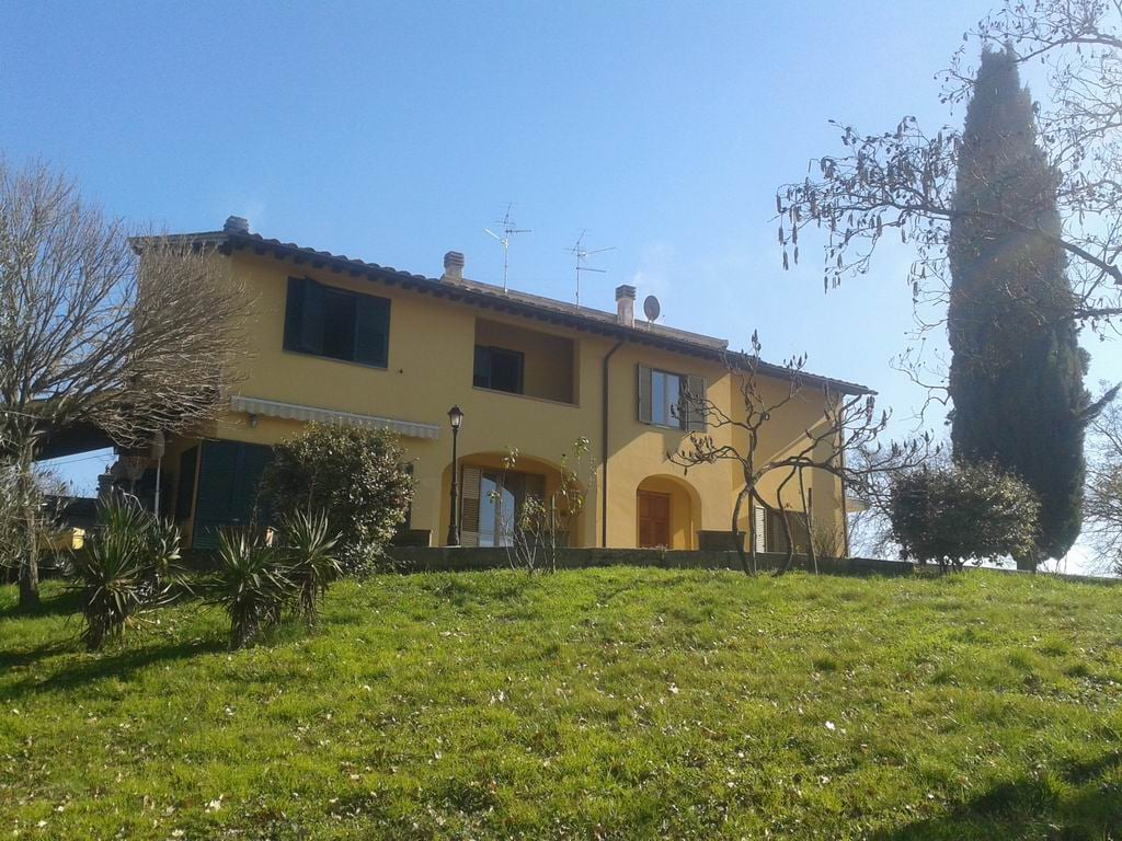 Country House Room 5 Km from Arezzo