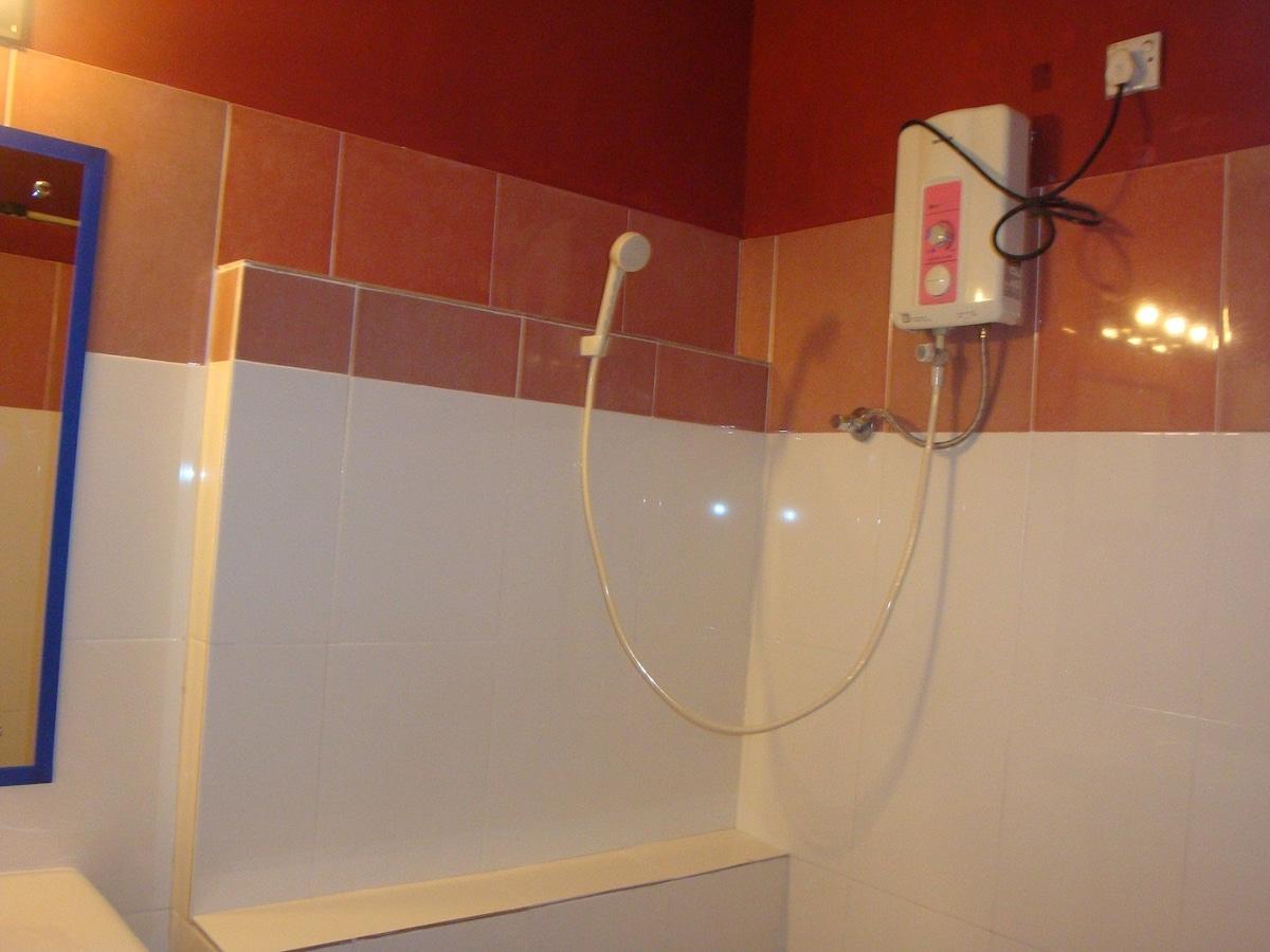 Attached bath, shower cubicle