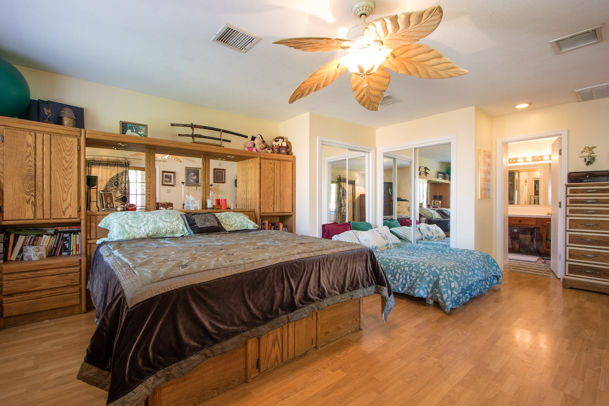 Scottsdale/ Phoenix house sleeps 10