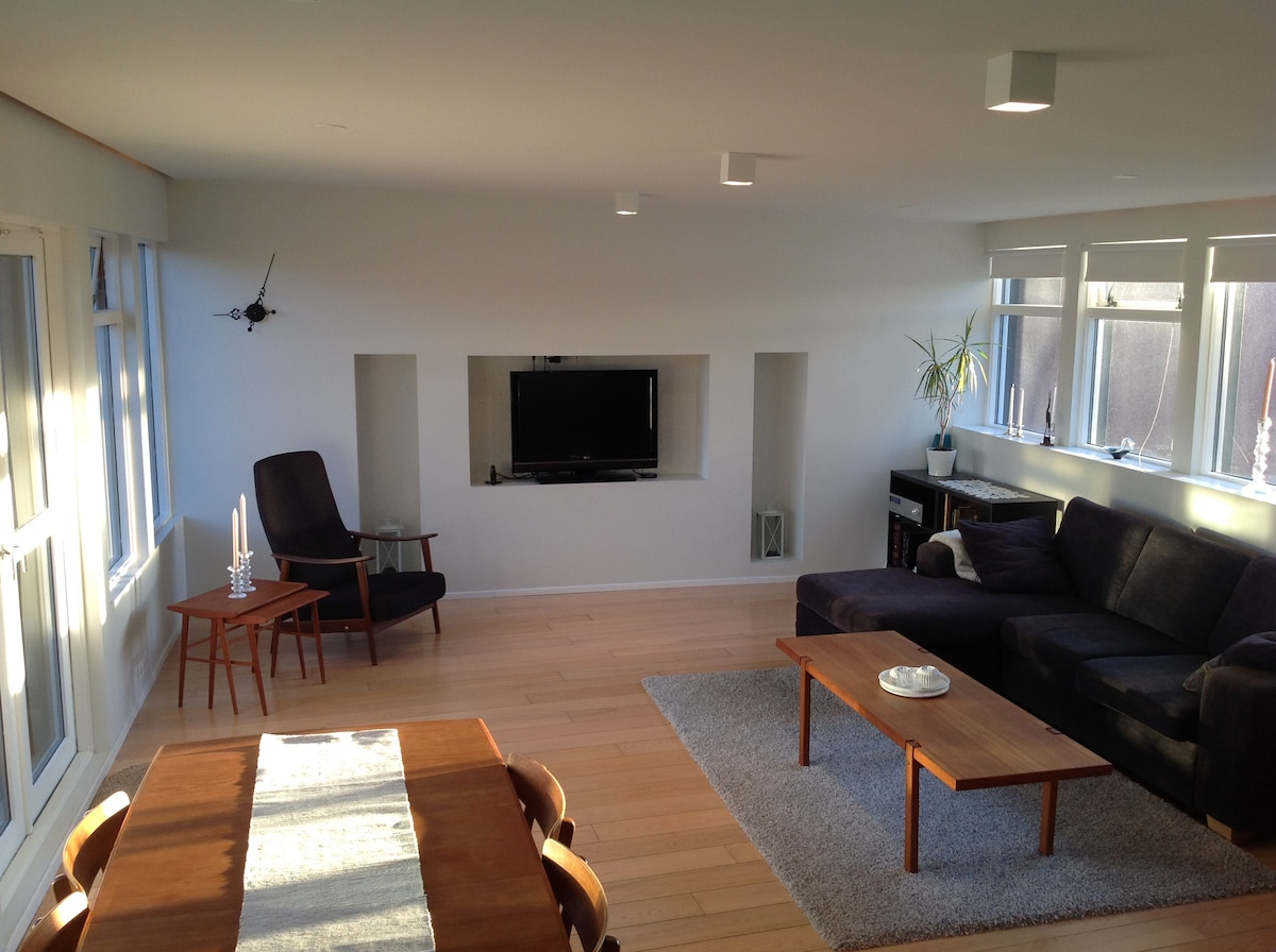 Bright apartment 5 min from center
