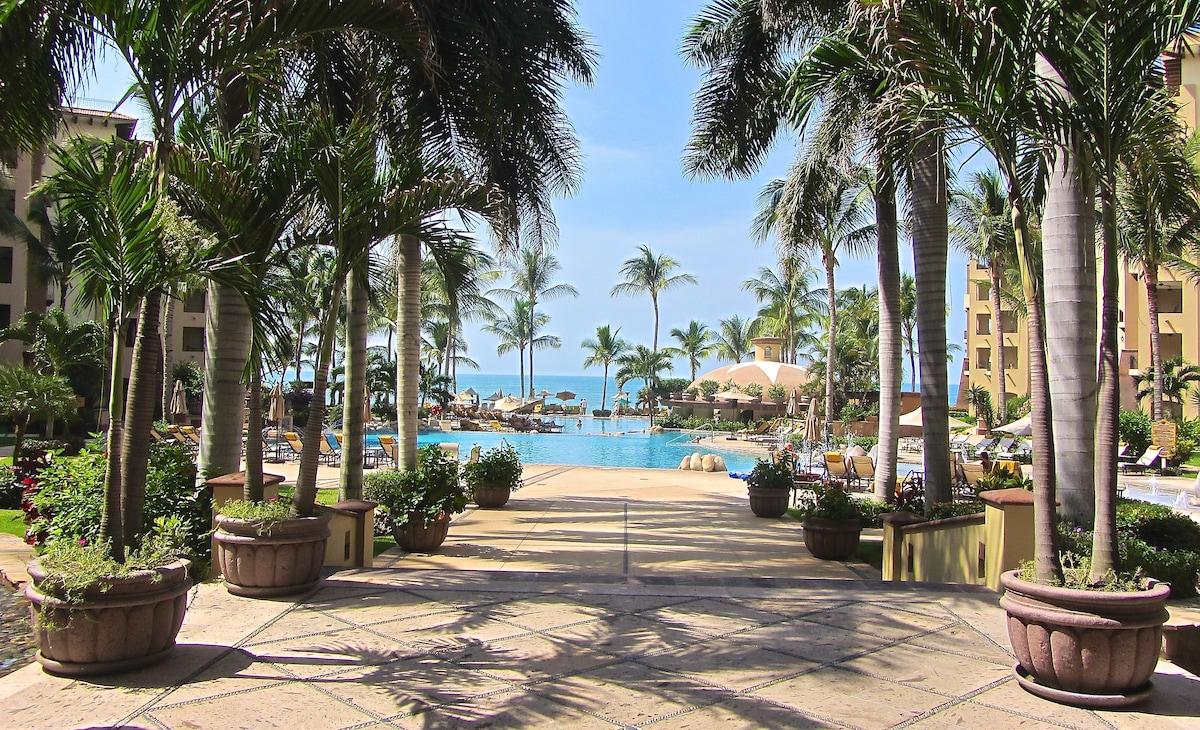Luxury Tropical Beachfront Villa