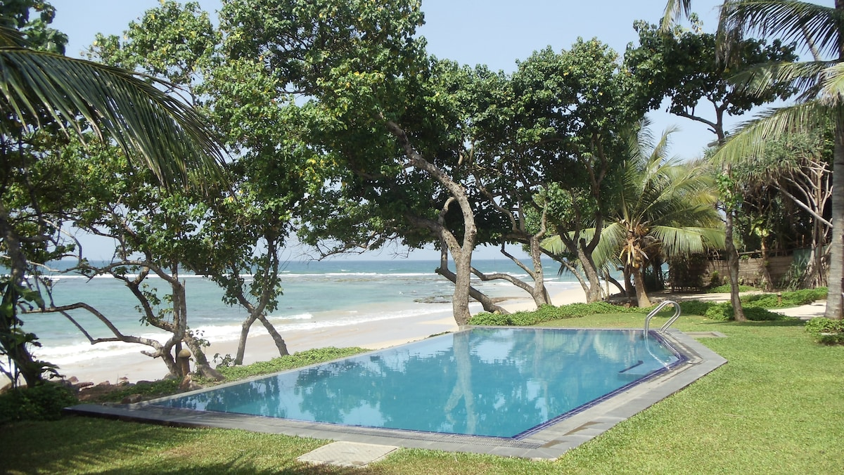 South Point Abbey Luxury BeachVilla