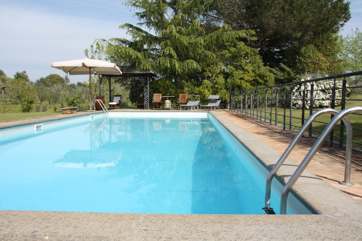 Malva  cottage with fabulous pool!