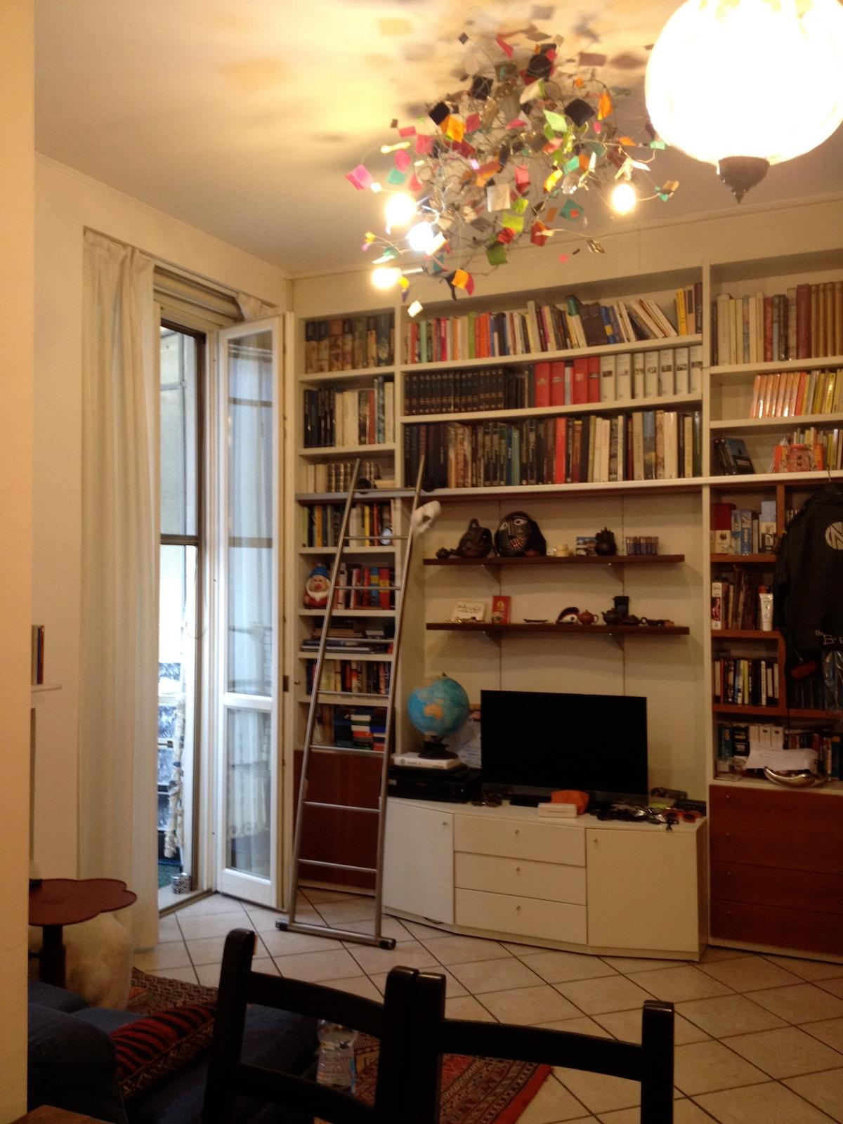 Libreria in soggiorno/The library in the livingroom