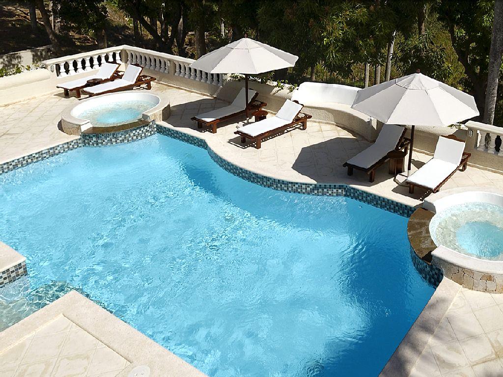 Beautiful Tropical Villa!