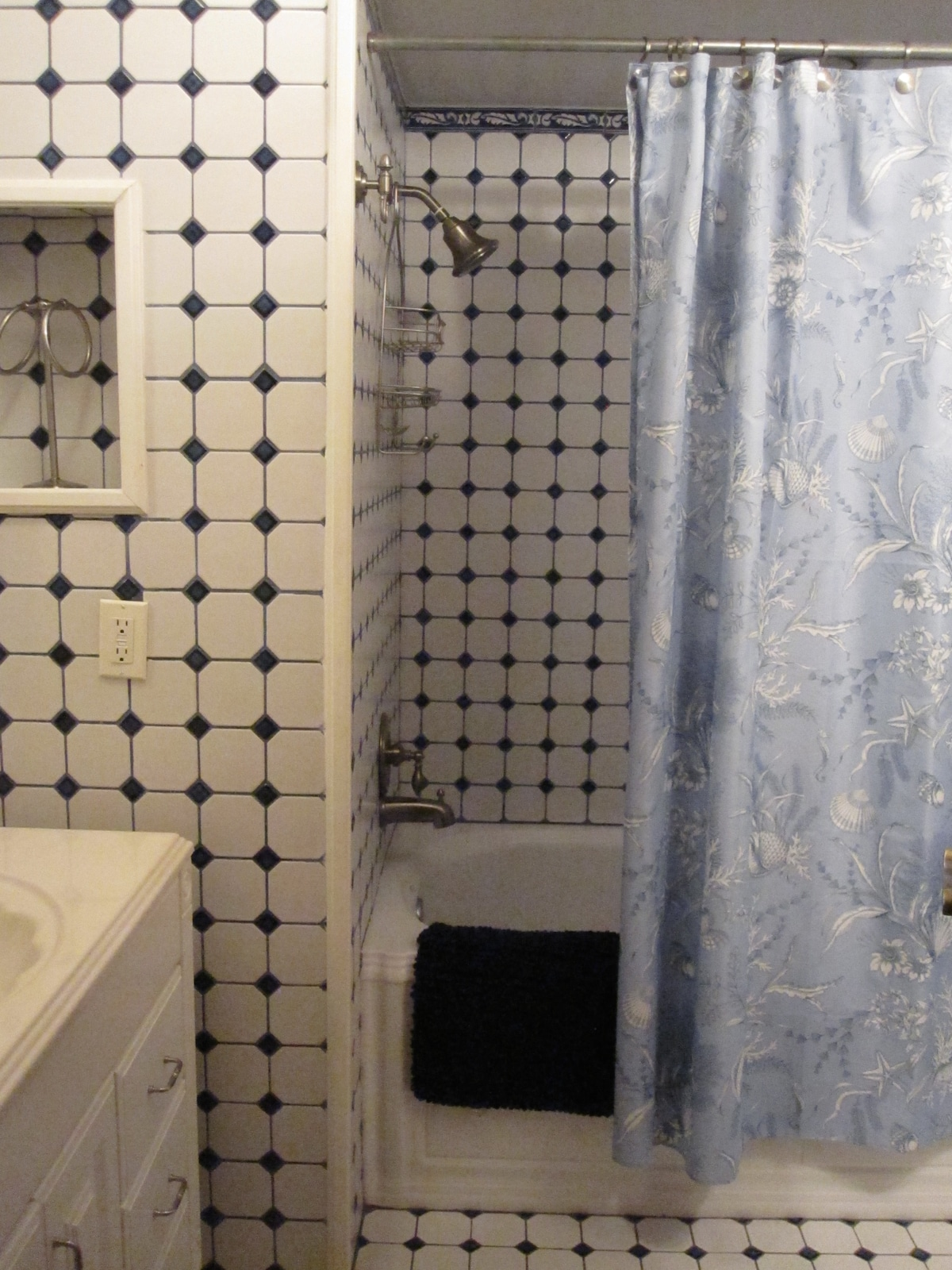 The private bathroom adjacent to the bedroom.
