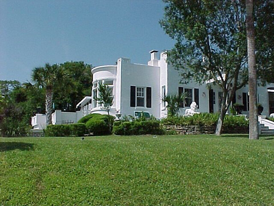 Beach Side Rental at Historic Home