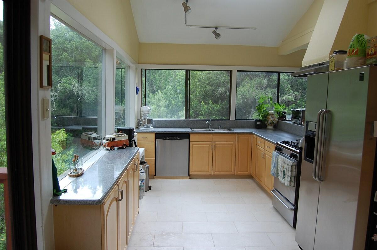 Serene 3-Bdr House in Woodside