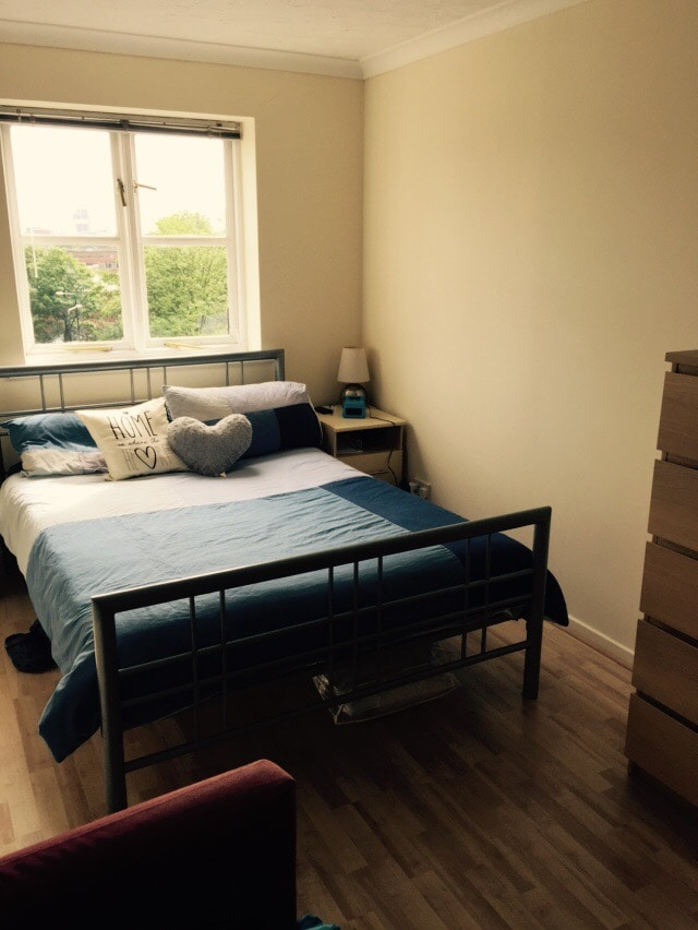 Lovely bedroom close to the City