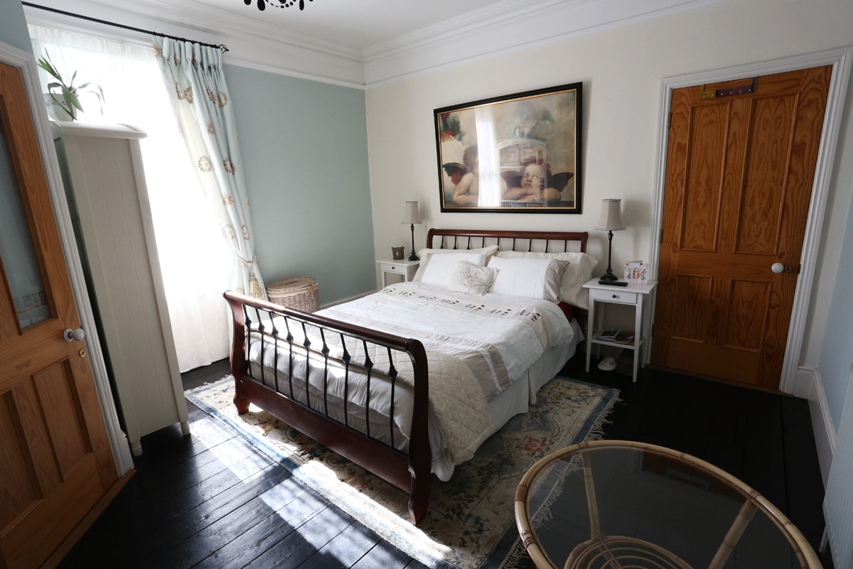 Comfortable, spacious bedroom with kingsize, plenty of storage and own shower room