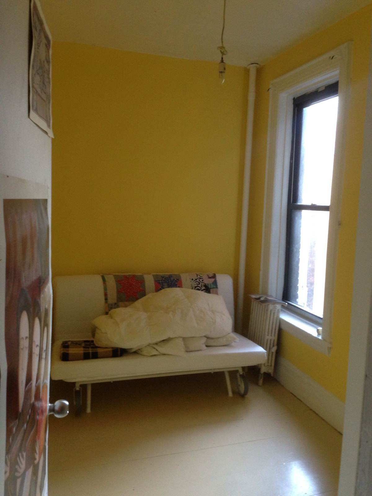 Lovely private bedroom Little Italy