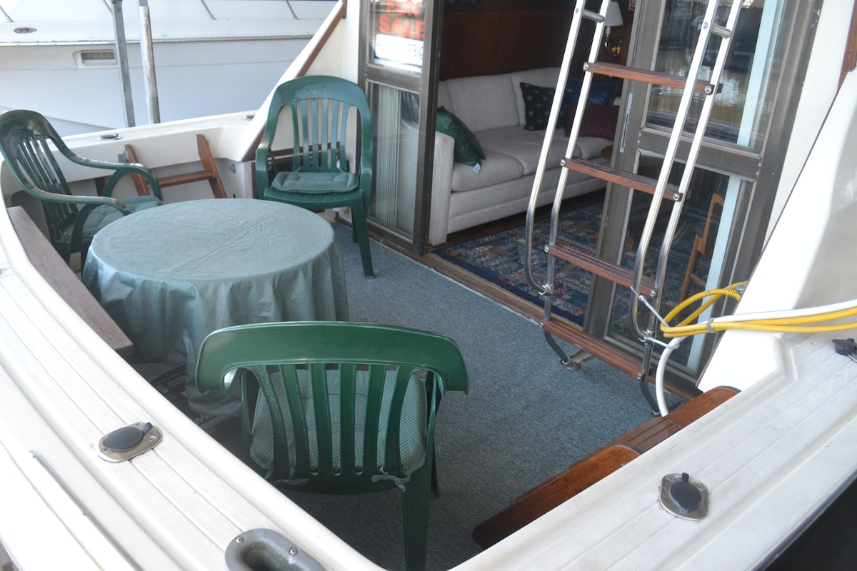 1973 Viking 33' Convertible Yacht