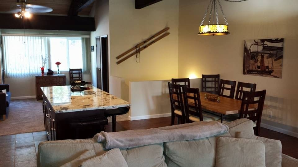 Comfortable open plan dining area for up to 8 people