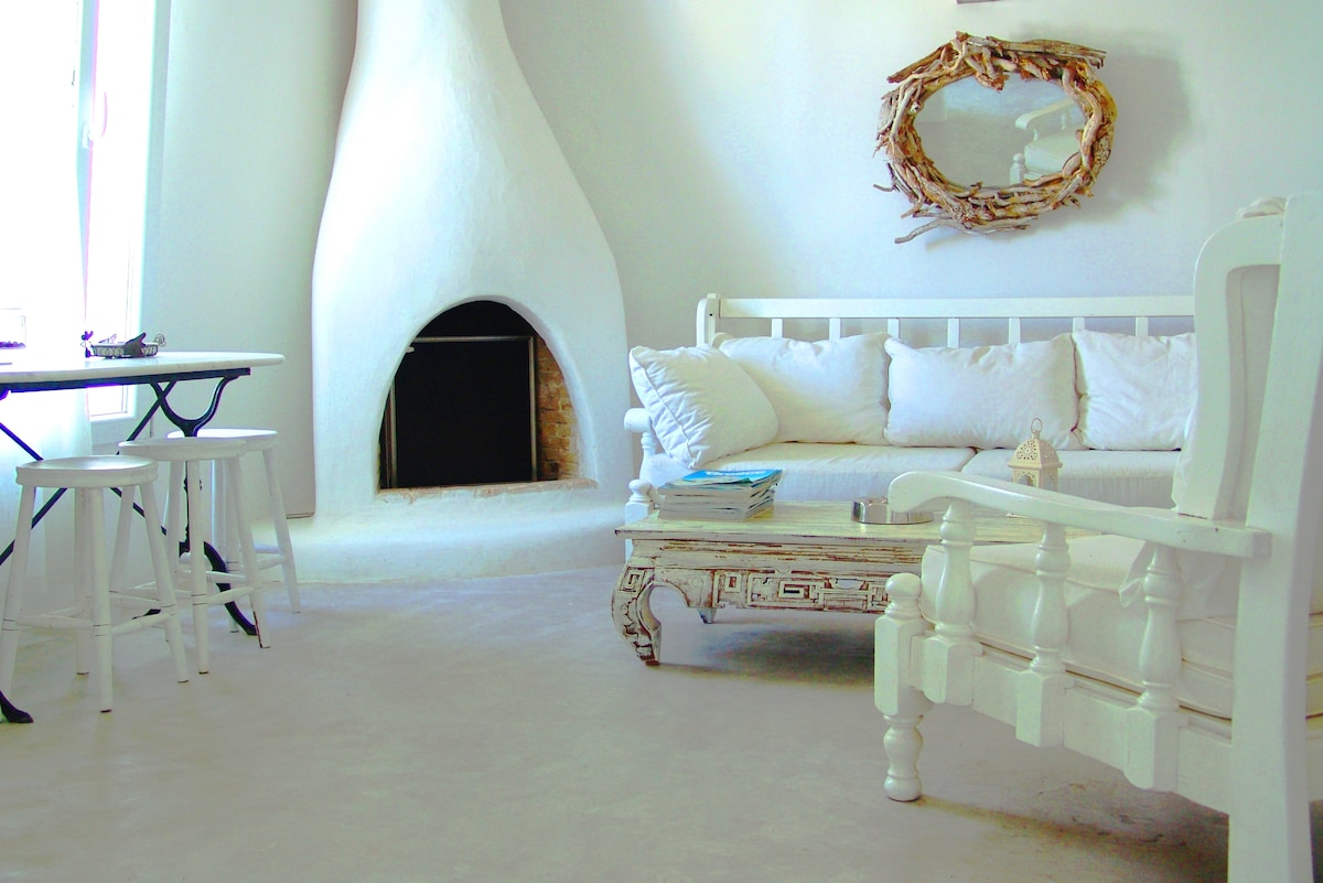 Mykonian style home