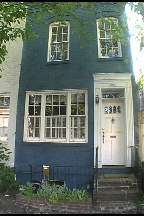 Georgetown's Chateau Bleu - BsmtApt