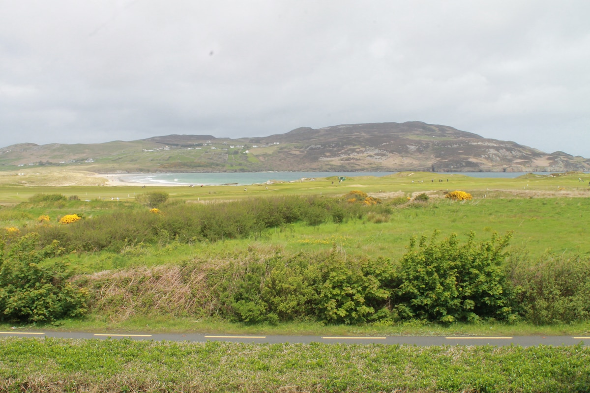 Sandhill, Portnablagh, Apartment.