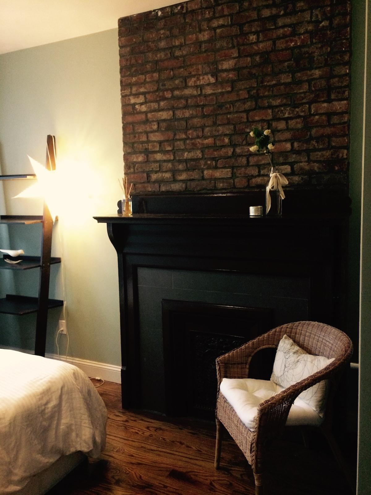Charming Room - Brooklyn Brownstone
