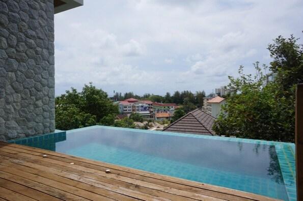 Peaceful estate walk to Karon beach