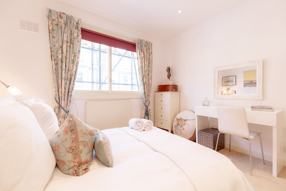 Beautiful Double Room in Chelsea