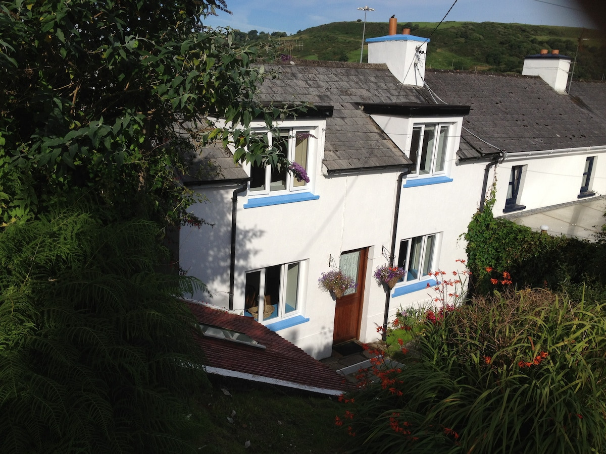 West Cork: charming seaside cottage